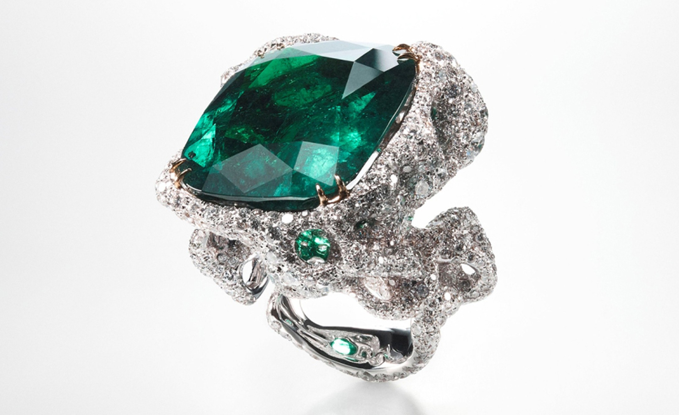 CINDY CHAO, The Art Jewel, Black Label Masterpiece Emerald City Ring with central emerald (44cts) highlighted by diamonds set in 18kt white gold