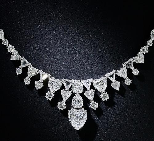 Magnificent Platinum and Diamond Necklace
