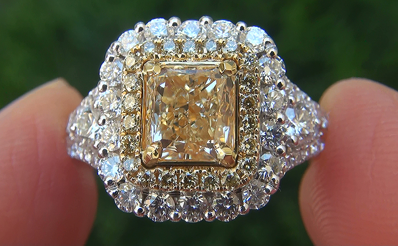 EGL USA 2.71 ct VS2 Natural Fancy Yellow Diamond 18k Engagement Wedding Ring