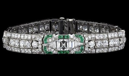 Fine Art Deco Diamond and Calibre Emerald Bracelet