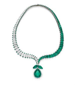 AN EMERALD AND DIAMOND NECKLACE, BY HARRY WINSTON