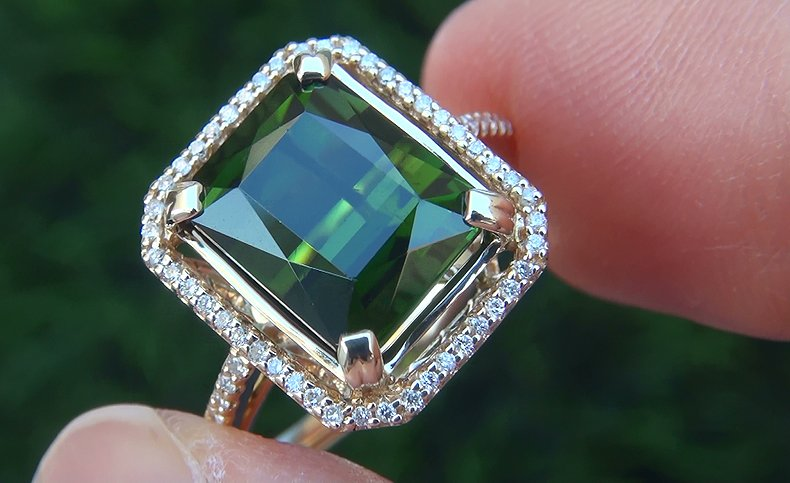 Estate 5.38 ct VVS Natural Green Tourmaline Diamond 14k Yellow Gold Vintage Ring