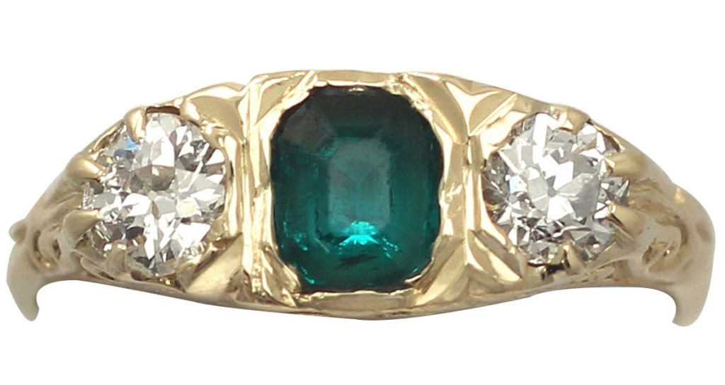 0.44 Ct Emerald and 0.42 Ct Diamond, 18 k Yellow Gold Ring - Antique Circa 1910