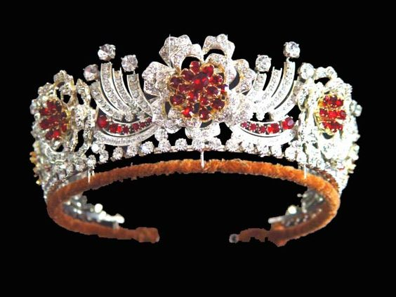 The Burmese Ruby Tiara: QE II ordered the tiara in 1973 from Garrard & Co.