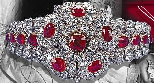 Queen Mary's Ruby Diamond Bracelet-Brooch.