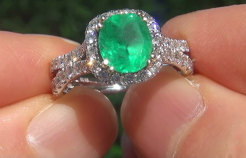 Estate 2.84 ct Natural Colombian Emerald Diamond 14k Gold Cocktail Estate Ring