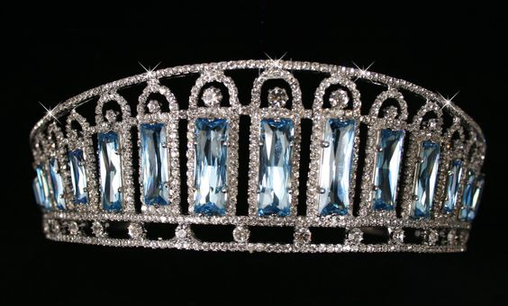 Aquamarine and diamond kokoshnik tiara (made in 1900). It is said to have been the personal property of the Tsarina Alexandra.
