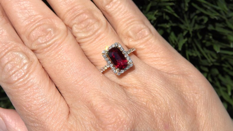 GIA 2.57 ct UNHEATED Natural VVS Red Ruby Diamond 14k Yellow Gold Estate Ring