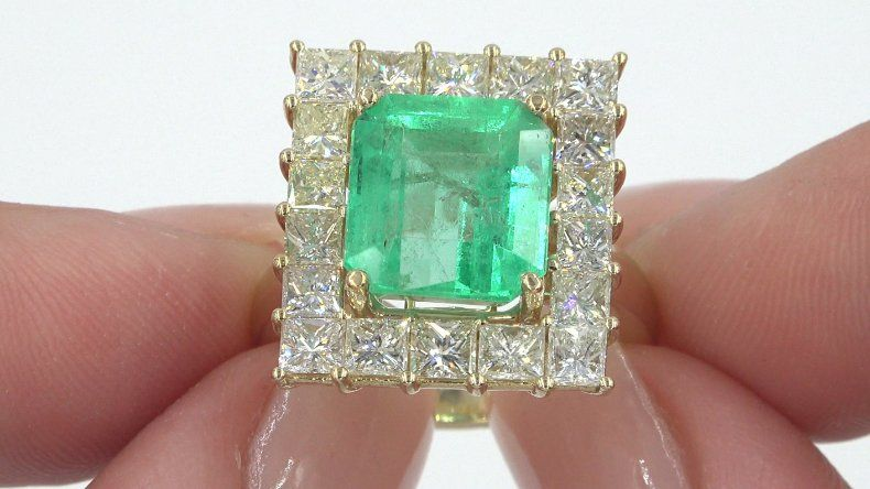 GIA Estate 8.94 ct Natural Colombian Emerald Diamond 14k Yellow Gold Ring