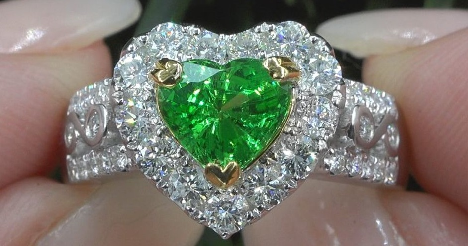 GIA 3.09 ct VVS Natural Tsavorite Garnet Diamond Platinum Estate Ring