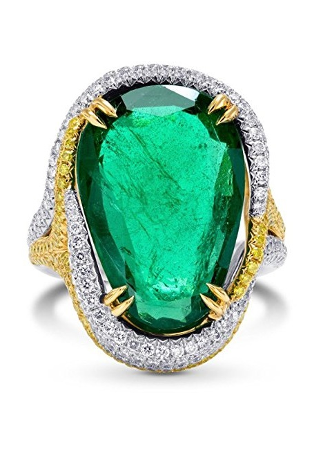 9.72Cts Emerald Side Diamonds Engagement Extraordinary Ring Set in Platinum