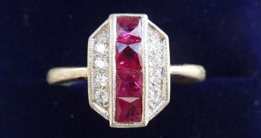 Stunning 18ct white gold art deco 1ct ruby and diamond ring.
