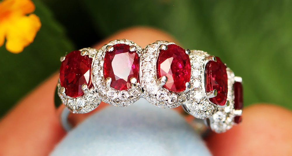 Oval Ruby Band with Diamonds in 18k White Gold 3.16 cwt
