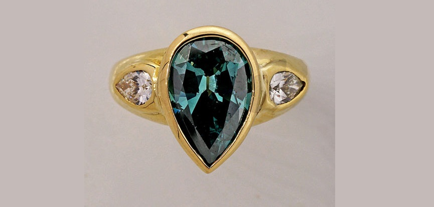 Vintage Enhanced Pear Shaped Teal & White Diamond 18k Yellow Gold Ring