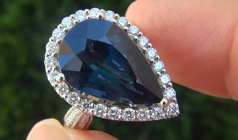 """A Gorgeous 9.73 Carat Near Flawless """"VVS CLARITY"""" GIA Certified UNHEATED & UNTREATED Natural Blue Sapphire and Diamond 18k White Gold Cocktail Engagement Ring."""