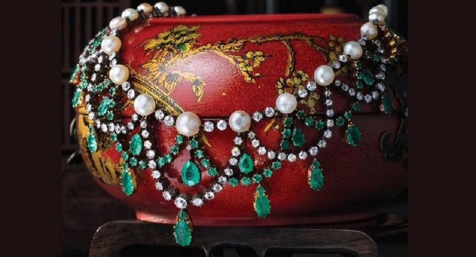 Emerald, Pearl and Diamond Necklace