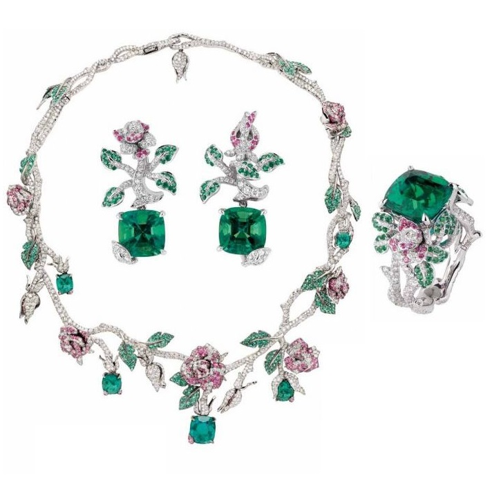 """Précieuses Rose"" necklace by Dior"
