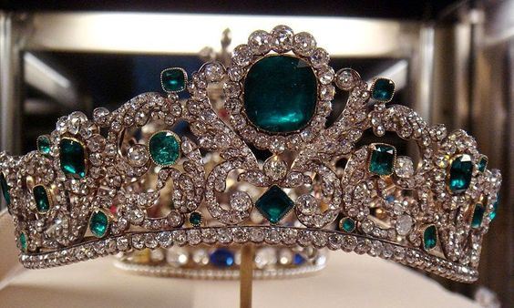 The Angouleme Emerald Tiara made by Evrard and Frederic Bapst for the French crown jewels in 1820. There are 1031 diamonds and 40 emeralds in the setting.