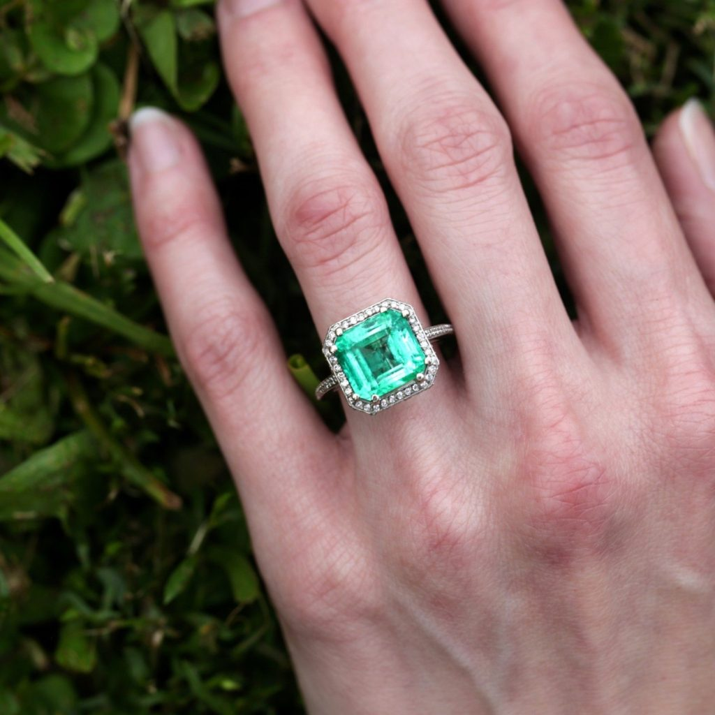Large Colombian Emerald Ring with Diamonds in 14kt White Gold 5.48ctw