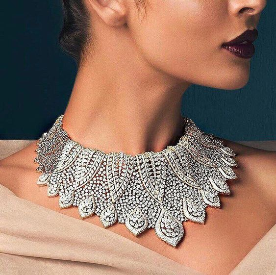 Nothing speaks luxury like this glamours diamond neck-piece by Khanna Jeweller